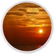 Cloudy Sunset On Lake Ontario - 27 August 2018 Round Beach Towel