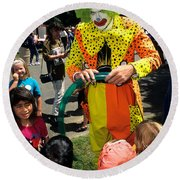 Clown Entertaining Kids Round Beach Towel