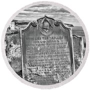 Coast - Whitby Freemason Grave Round Beach Towel