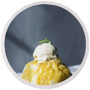 Coconut Sorbet With Mango Sauce And Vanilla Ice Cream Round Beach Towel