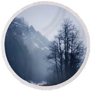 Cold Motion... Round Beach Towel