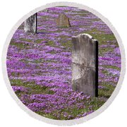 Colonial Tombstones Amidst Graveyard Phlox Round Beach Towel