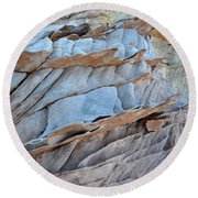Colorful Fins Of Sandstone In Valley Of Fire Round Beach Towel