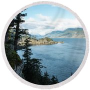 Columbia River Cliffside Round Beach Towel