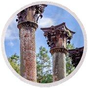 Columns Of Windsor Ruins Round Beach Towel