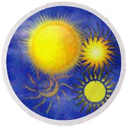 Combating Suns Round Beach Towel