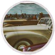 Concours Vintage Car Show Round Beach Towel