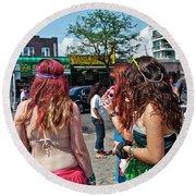 Coney Island Girls Round Beach Towel