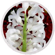 Contrasting Red And White Flowers Round Beach Towel