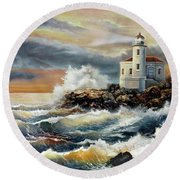 Coquille River Lighthouse At Hightide Round Beach Towel