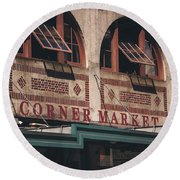 Corner Market Pikes Place Market Round Beach Towel