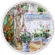 Cottage Garden Round Beach Towel