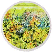 Cottage Gate Seen Through Sun Daisies Round Beach Towel