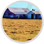 Country Barn And Shed Round Beach Towel