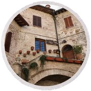 Country Charm Assisi Italy Round Beach Towel