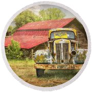 Country Cousins In The Smoky Mountains Round Beach Towel