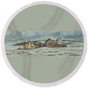 Country Farm In Winter Round Beach Towel
