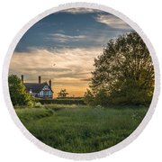 Country House Round Beach Towel