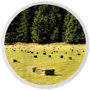 Country Life Round Beach Towel