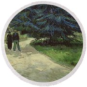 Couple In The Park Round Beach Towel