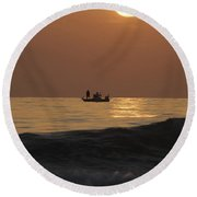 Couples At Sunset Round Beach Towel