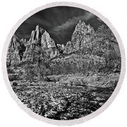 Court Of The Patriarchs II - Bw Round Beach Towel
