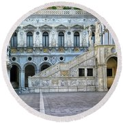 Courtyard At The Doge Palace Round Beach Towel