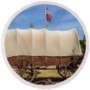 Covered Wagon At Fort Bluff Round Beach Towel