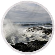 Crashing Waves At Cape Perpetua Round Beach Towel