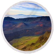Craters Of Paradise Round Beach Towel