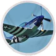 Crazy Horse From Air Show Round Beach Towel