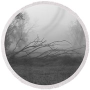 Creeping Branches Round Beach Towel
