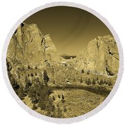 Crooked River At Smith Rock State Park Sepia Round Beach Towel