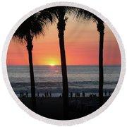 Crowd At Sunset Round Beach Towel
