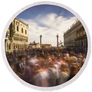 Crowded On St. Mark's Square Round Beach Towel