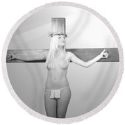 Crucifix And Light Round Beach Towel