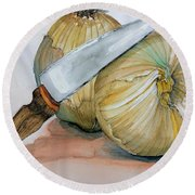 Cutting Onions Round Beach Towel