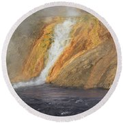 D09126 Outlet Of Midway Geyser Basin Round Beach Towel