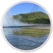 D09127 Reflection In Grand Prismatic Spring Round Beach Towel