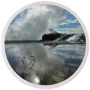 D09130-dc Cloud And Steam Reflect Round Beach Towel
