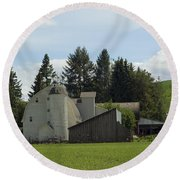Dahmen Barn Historical Round Beach Towel