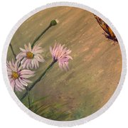Daisies And Butterfly Round Beach Towel