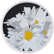 Daisy, Daisy How Does Your Garden Grow...... Round Beach Towel