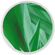 Dance Of Green Leaves Round Beach Towel