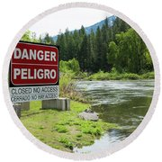 Danger Peligro Round Beach Towel