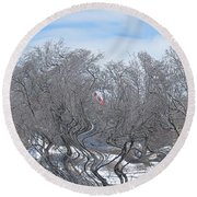 Dans Le Vent / In The Wind Round Beach Towel