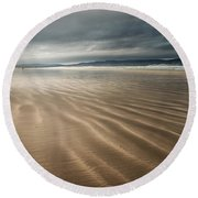 Darkest Benone Round Beach Towel