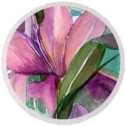 Day Lily Pink Round Beach Towel