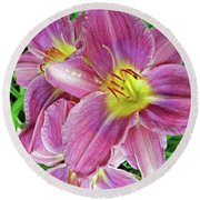 Day Lilys Round Beach Towel