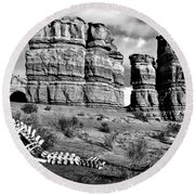 Death On Notom-bullfrog Road - Capitol Reef - Bw Round Beach Towel